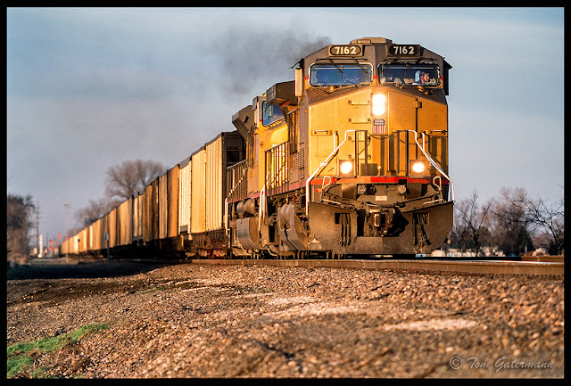 UP 7162 leads a coal train south on the Chester Subdivision.