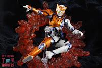 S.H. Figuarts Kamen Rider Valkyrie Rushing Cheetah 26