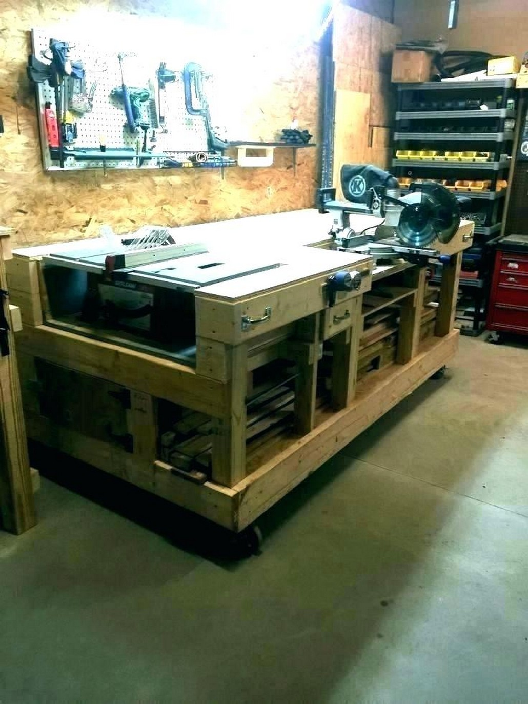Keen Construction Inspiration of Garage That You Must Try
