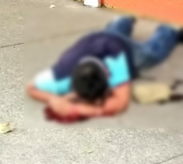 Ratero se enfrentó y era perseguido por Policías tras robar a ama de casa y 2 menores, no aguanto la presion y mejor se suicidó