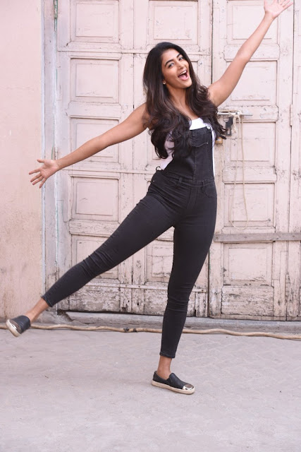 Pooja Hegde New Photoshoot Images