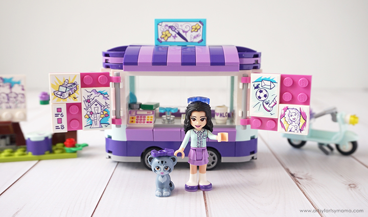 LEGO Friends Emma's Art Stand