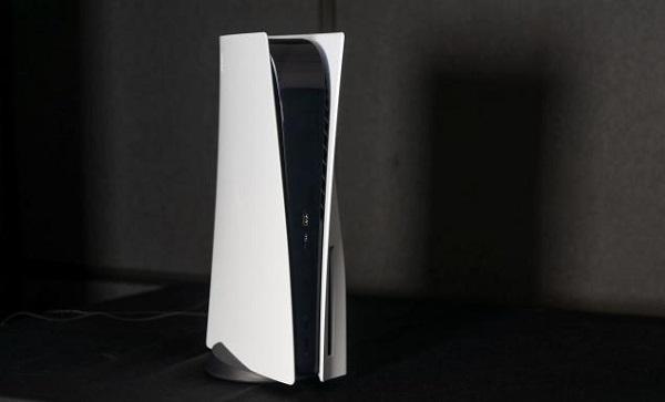 بعض مستخدمي جهاز PS5 يواجهون مشكلة صوت المروحة الغريب و إكتشاف أول حل بالفيديو