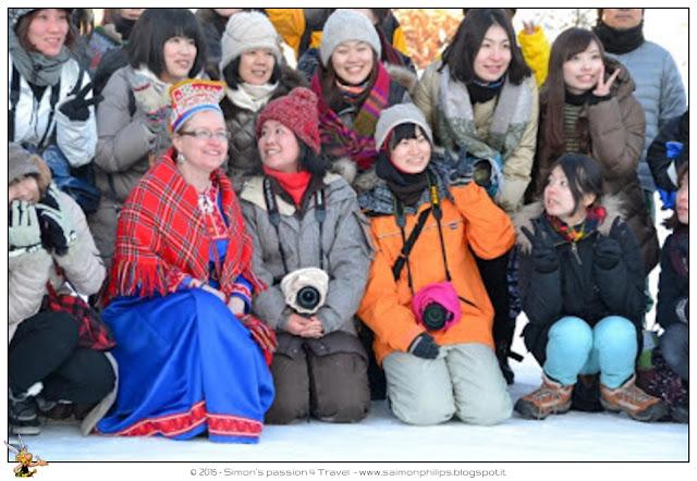 giapponesi-macchina-sciarpa-come-fotografare-l-aurora-boreale