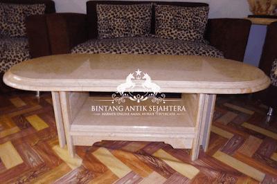 Meja Ruang Tamu Marmer