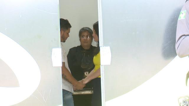 Jovem que matou ex durante ato sexual deixa prisão para se casar com detento [Fotos]