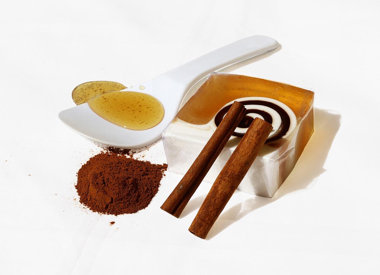 مشروب القرفة والعسل لحرق الدهون