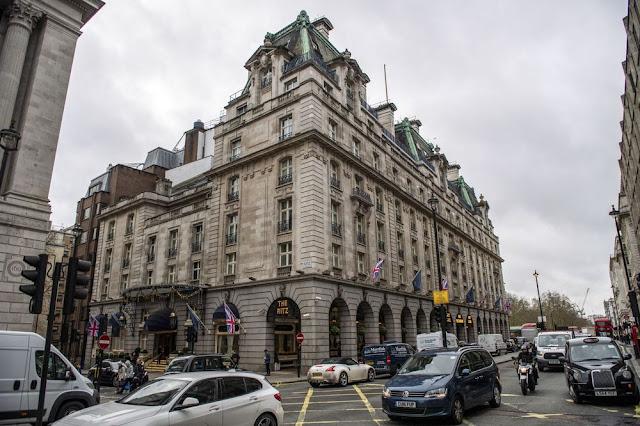 #Qatar's Sheikha Moza Denies Buying Ritz Hotel in London - Bloomberg