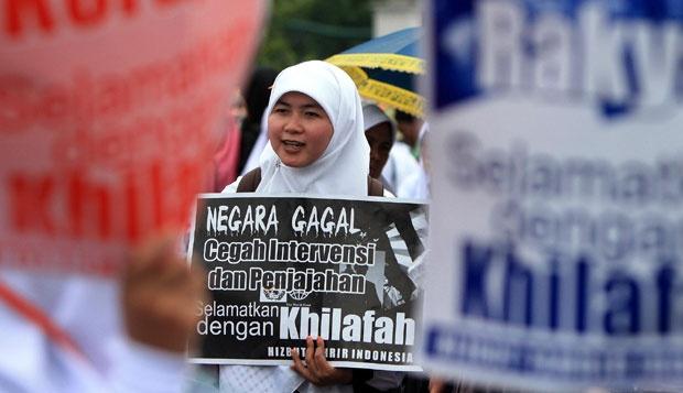 Menunggu 'Keberanian' Pemerintah Bubarkan Ormas Anti Pancasila dan Pengasong Khilafah