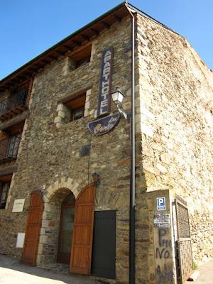 Aparthotel les Corts en Llivia