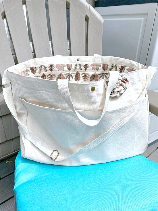 Make a vintage liner for a tote bag