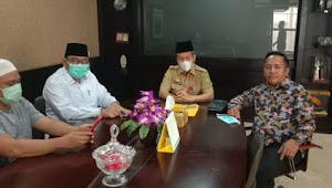 Ajak Para Dermawan, Pejuang Subuh Riau Galang 1.001 Kain Sarung untuk Imam dan Gharim