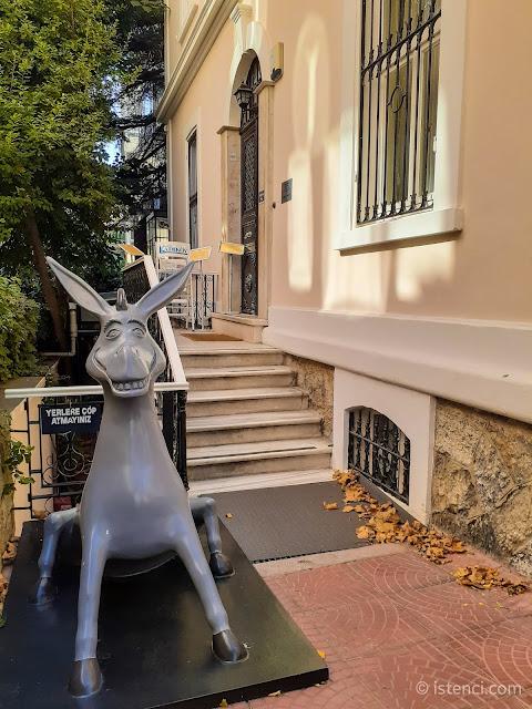Barış Manço 81300 Müzesi girişi...