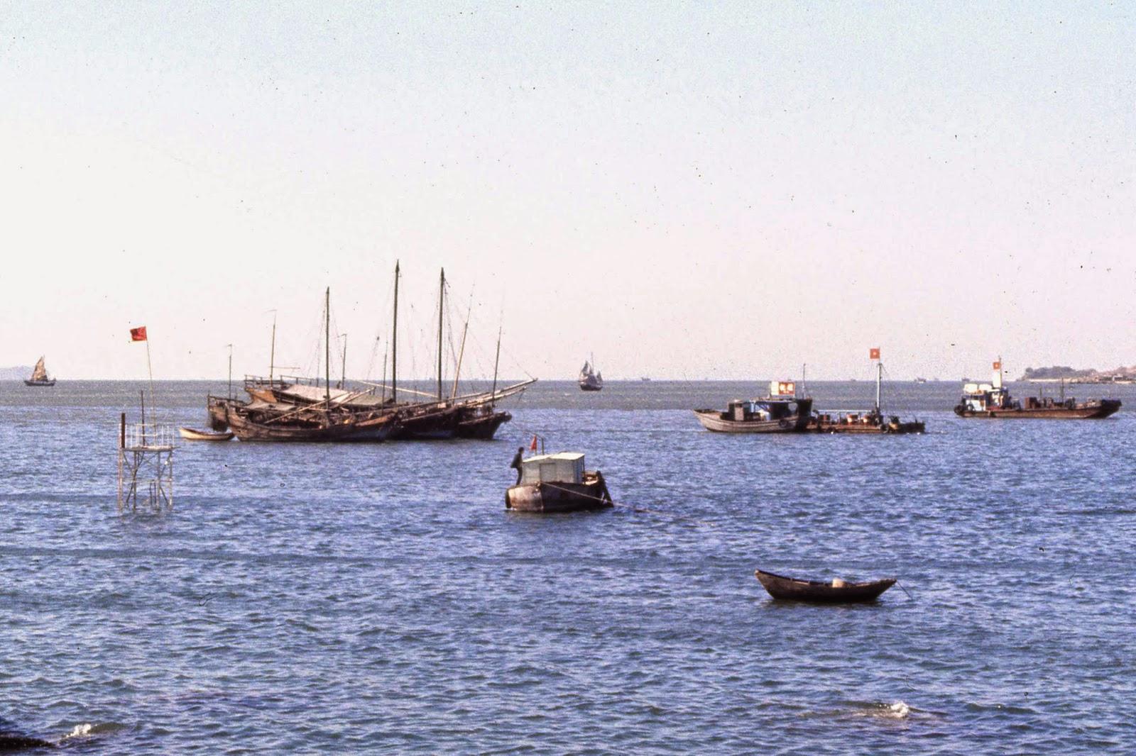 Victoria Harbour - Hong Kong 1969