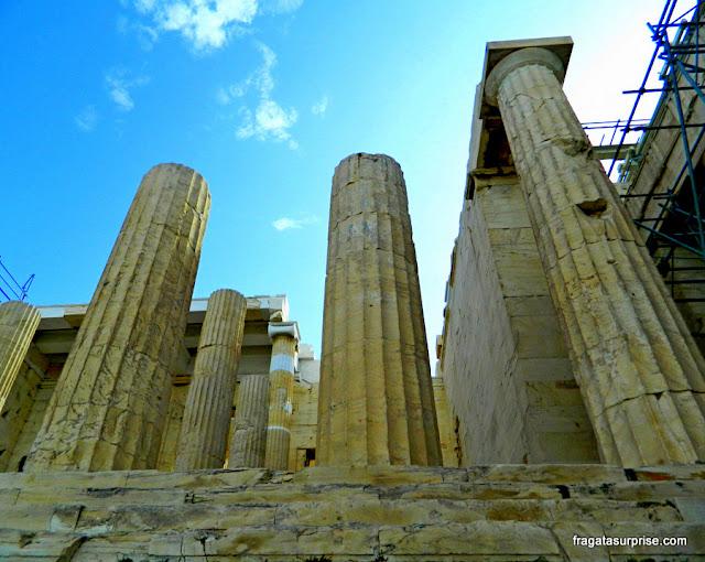 Colunas do Propileu, entrada da Acrópole de Atenas