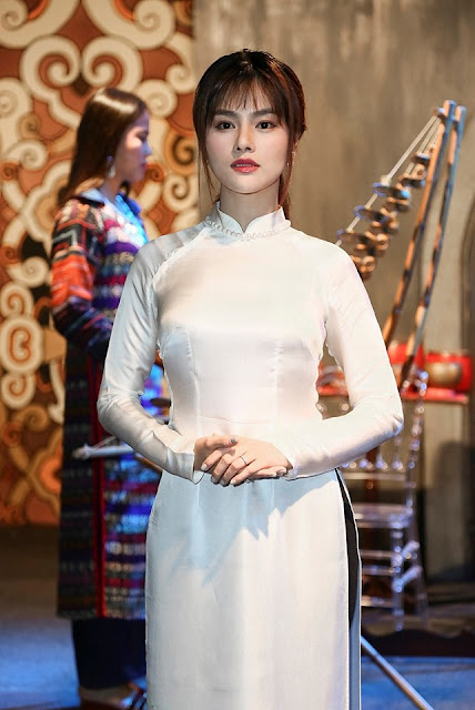 """Ngọc Trinh đáp trả khi bị Vũ Thu Phương chỉ trích: """"Ai muốn bám theo em thì tranh thủ nha"""" 1"""