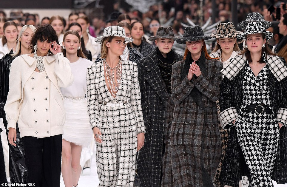 Chanel Fall Winter 2019 Paris Fashion Week Show