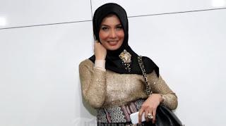 Arzeti Bilbina di Gerebek di kamar Hotel, Arzeti membantah sedang mengikuti Fatayat NU