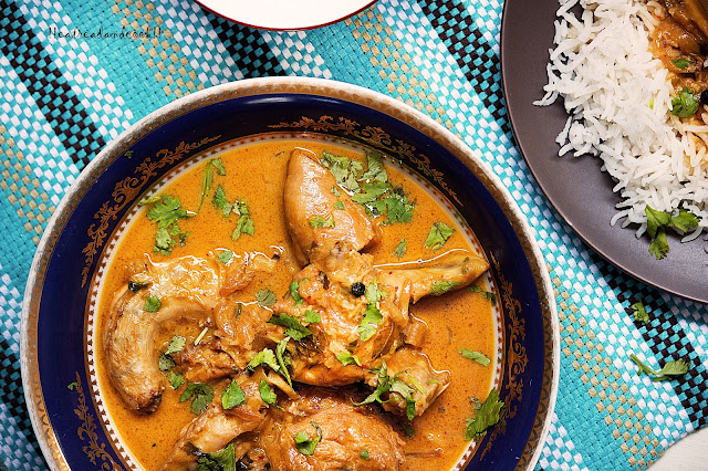 Simple Chicken Curry with Curry Leaves and Coconut Milk recipe and preparation curry pata r narkel er dudh diye murgir jhol recipe