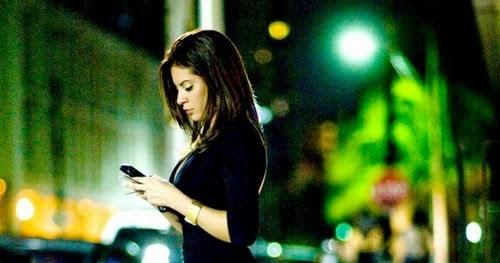 Ocio Neón Tecnologia Finanzas La Chica Sexy Del Miércoles