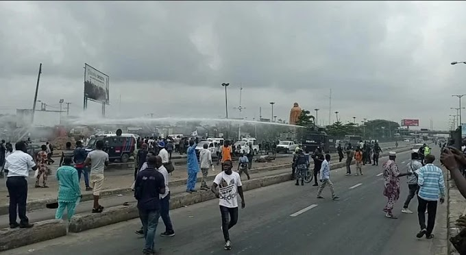 BREAKING: Shots fired as police disperse Yoruba nation protesters in Lagos