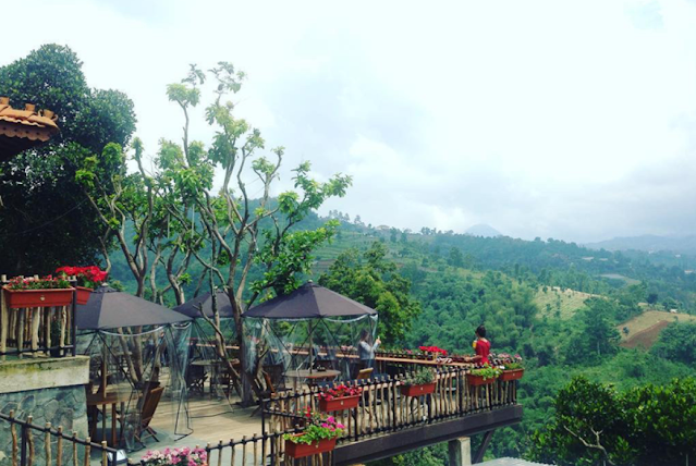 A Cool Cafe in Bandung for Hanging Out