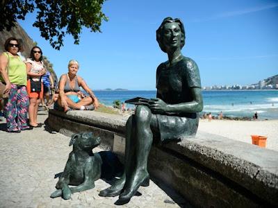 claricehd - Estátua de Clarice Lispector é inaugurada no Rio de Janeiro