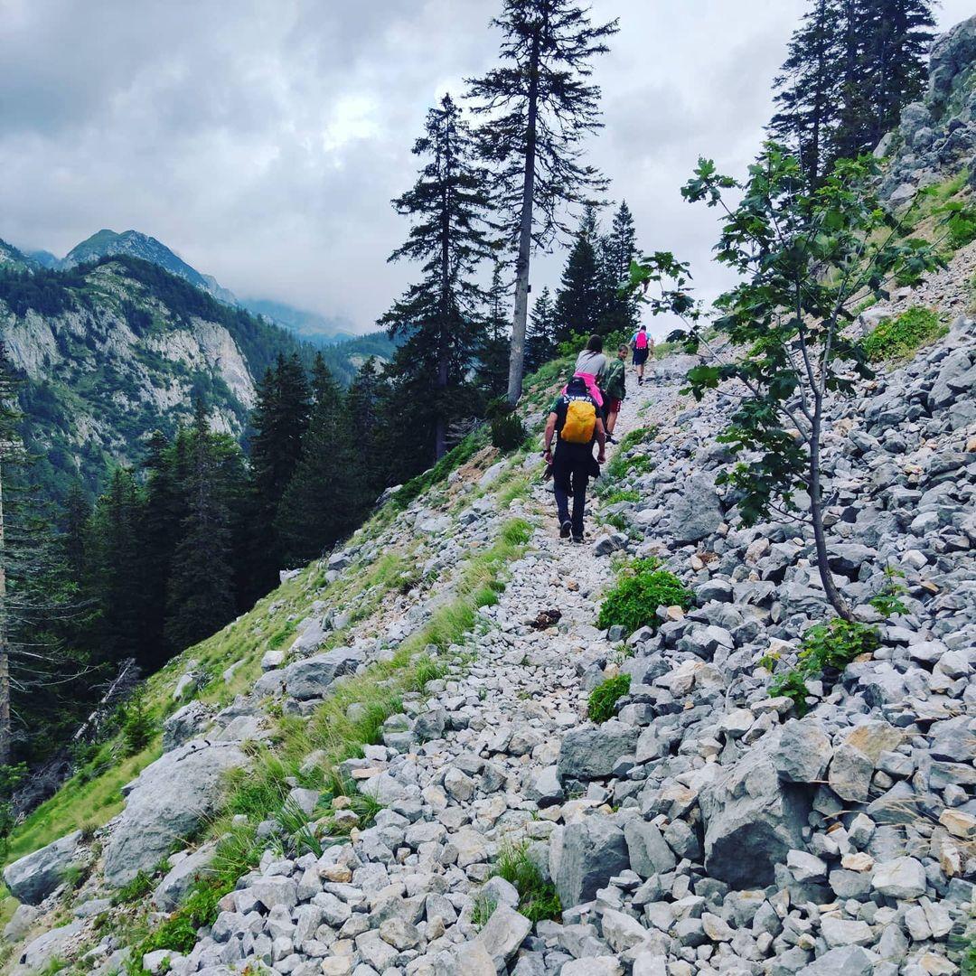 hiking tara canyon raft bosnia