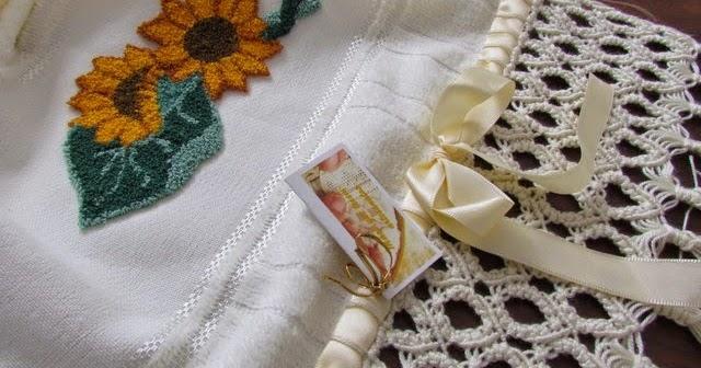Aparador Para Sala Pequena ~ Blog da Bete Artesanatos Toalha de Lavabo com Bordado Russo ou Bordado em Alto Relevo e Barrado