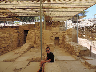 crete highlights tour knossos hot day