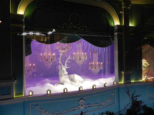 tiffany and co nyc christmas display window