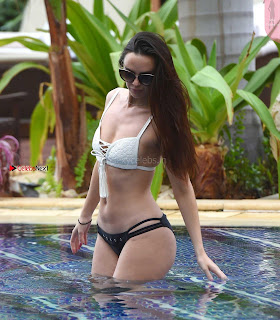 Jennifer+Metcalfe+in+Bikini+at+a+Pool+in+Tenerife+hot+ass++Booty+Cleavages+Ass+Boobs+-+SexyCelebs.in+Exclusive+003.jpg