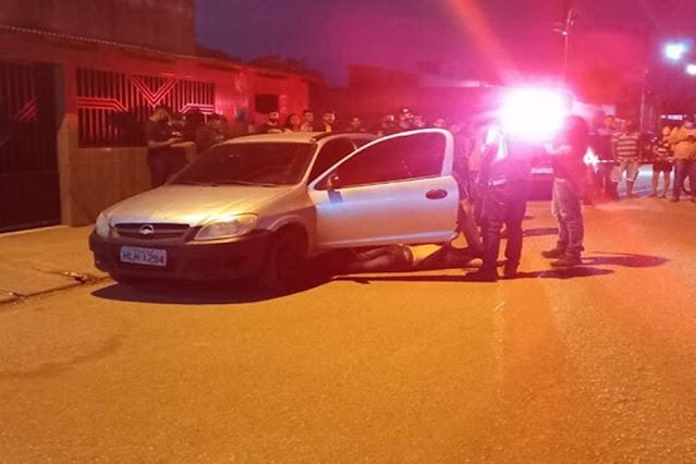 Homem é morto a tiros dentro de carro em Porto Velho