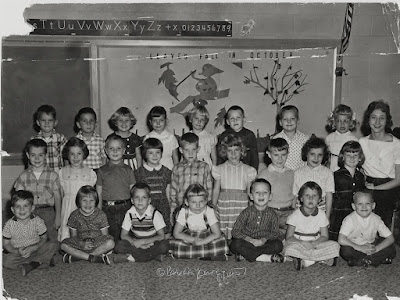 A black and white photo of a Kindergarten class in 1959.