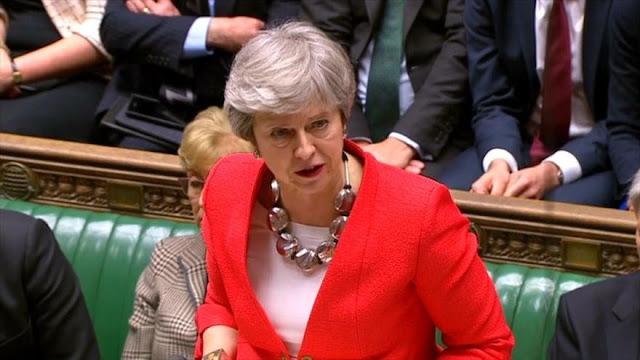 Parlamento británico aplasta el acuerdo del Brexit de Theresa May
