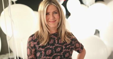 Jennifer Aniston elképesztő dologgal lepte meg a koronavírussal fertőzött ápolónőt – videó