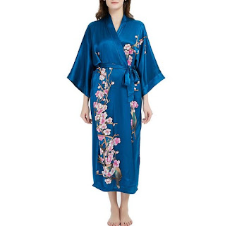 https://www.freedomsilk.com/19-momme-royal-blue-floral-silk-kimono-robe-p-282.html