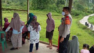 Kapolsek Curio Terus Himbau Dan Ajak Warganya Taat Prokes Tekan Penyebaran Covid 19