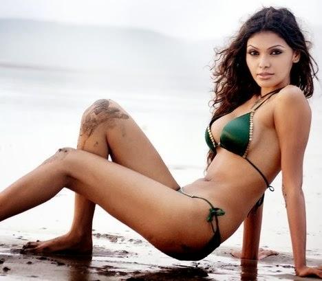Model girl bigazz in dubai xx shows