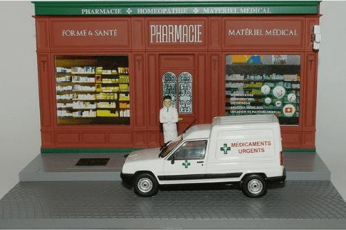 les plus beaux véhicules utilitaires, renault 5 rxpress 1:43 le pharmacien