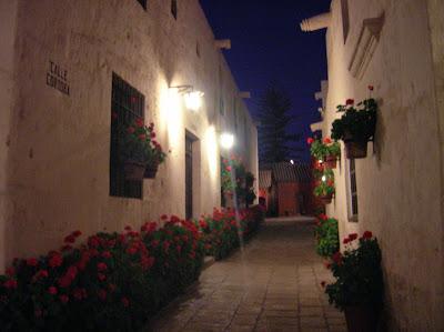 Monasterio de Santa Catalina visita nocturna, Arequipa, Perú, La vuelta al mundo de Asun y Ricardo, round the world, mundoporlibre.com