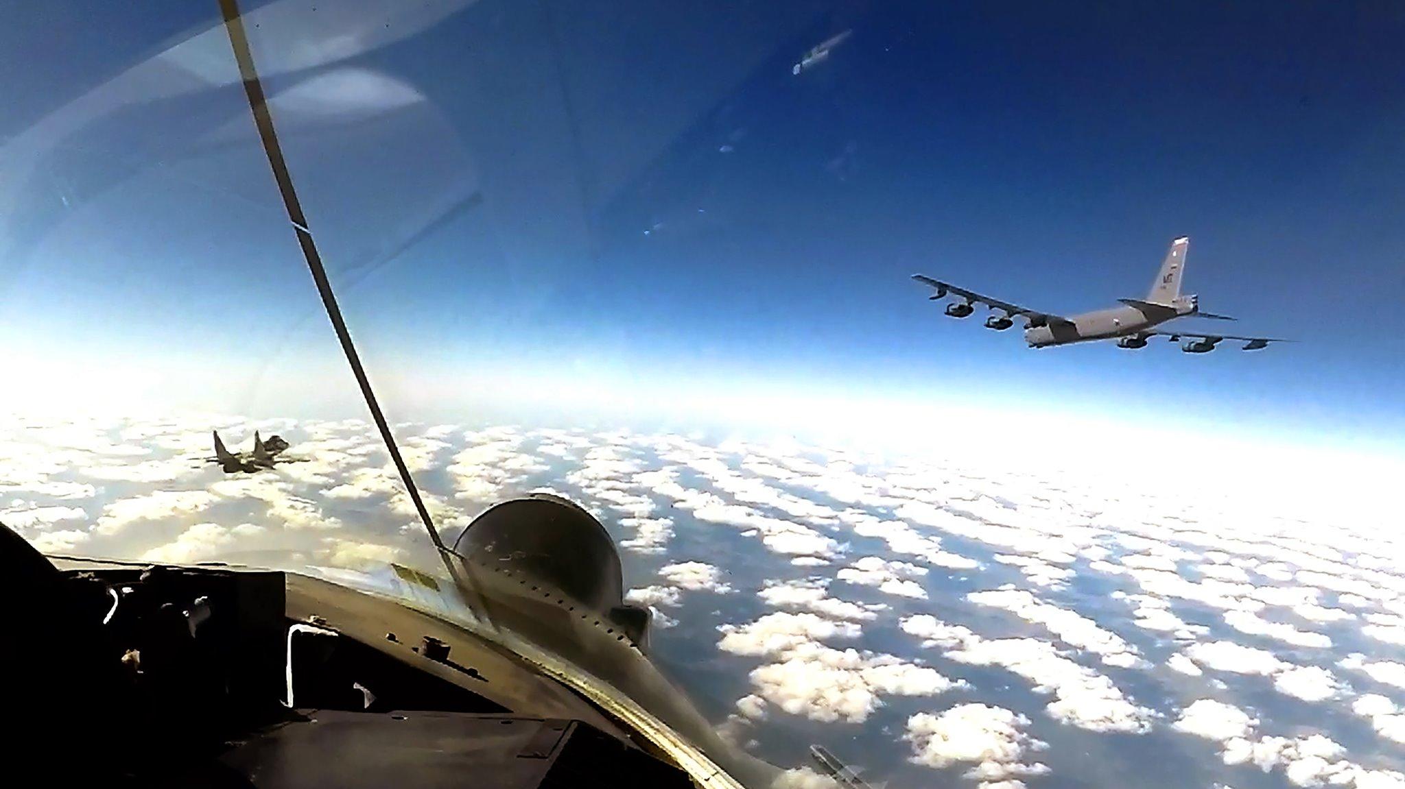 В-52 ВПС США тепер регулярно патрулюватимуть у небі України
