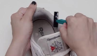 cara mencuci sepatu putih yang benar