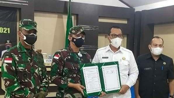 Bupati Bengkayang hadir Penutupan Kegiatan TMMD Regtas Ke - 111 TA 2021 Di Kabupaten Bengkayang
