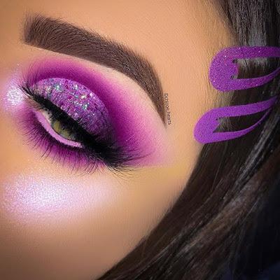 Maquillaje color morado