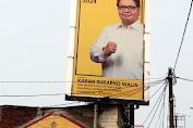 Karan Sukarno Walia Bangkitkan Semangat Masyarakat Lewat Baliho Airlangga Hartarto