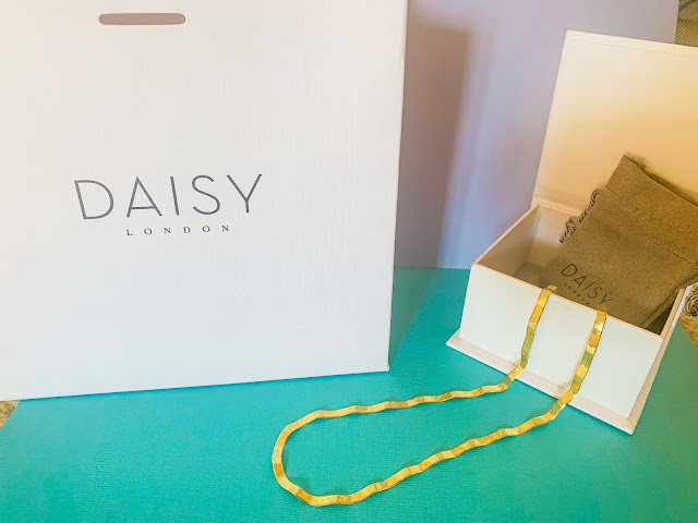 Daisy Jewellery Box and Necklace