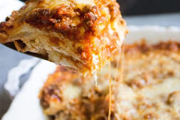 Easy Cheesy Lasagna Recipe #easyrecipes #lasagna #easylasagna #dinner