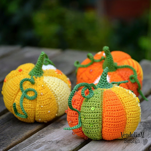 Magic with hook and needles: Patchwork pumpkin
