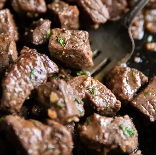 GARLIC BUTTER STEAK BITES RECIPE #dinner #butter #steak #easy #recipes